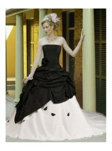 Black And White Taffeta Elegant Flower Design Gothic Wedding Dress